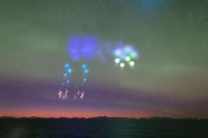 Loạt đốm sáng lạ xuất hiện trên bầu trời Na Uy