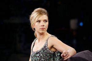 Mỹ nhân Scarlett Johansson cầu cứu cảnh sát khi bị paparazzi rượt đuổi