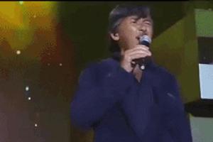 Ca sĩ gạo cội 70 tuổi hát live như nuốt đĩa nhạc phim 'Hoàng Phi Hồng'