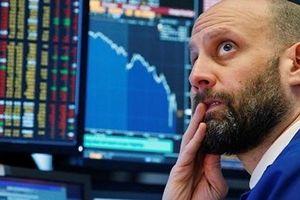 Chứng khoán Âu - Mỹ đi xuống do căng thẳng thương mại