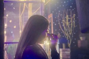 MC Quỳnh Hương rơi nước mắt chia tay 'Thay lời muốn nói'