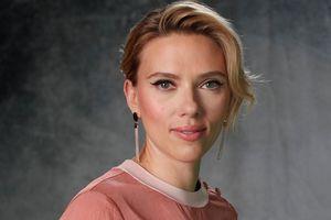 Bị paparazzi rượt đuổi, Scarlett Johansson cầu cứu cảnh sát