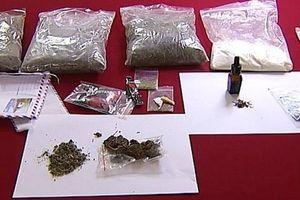 Bất ngờ phát hiện chất ma túy mới trong thuốc lá điện tử và thuốc lào