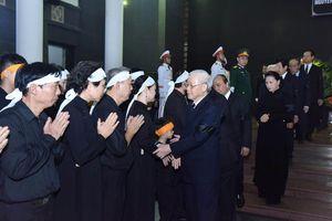 Hình ảnh lãnh đạo Đảng, Nhà nước viếng Trung tướng Đồng Sỹ Nguyên