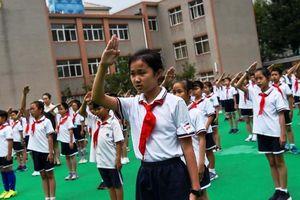 Trẻ em Trung Quốc nghiên cứu học thuyết xã hội chủ nghĩa qua ứng dụng điện thoại
