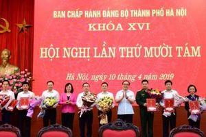 Ban Chấp hành Đảng bộ thành phố Hà Nội thực hiện nhiệm vụ công tác nhân sự