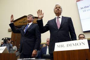 7 ngân hàng lớn nhất Mỹ 'đụng độ' các nghị sĩ