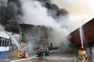 Cháy kinh hoàng khu công nghiệp Sóng Thần: Chưa rõ nguyên nhân