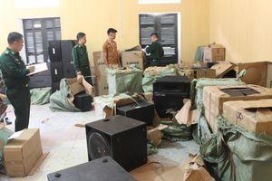 Đồn Biên phòng Bắc Sơn bắt giữ vụ vận chuyển lô hàng điện tử nhập lậu