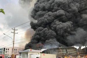 Bình Dương: Cháy lớn tại khu công nghiệp Sóng Thần