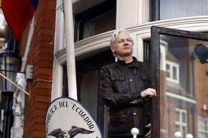 NÓNG: Nhà sáng lập WikiLeaks bị bắt giữ tại Anh