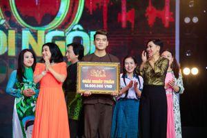 'Soái ca làng xiếc' Trịnh Thắng khiến ca sĩ Phương Thanh rơi nước mắt
