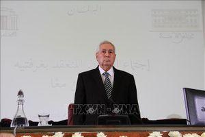 Algeria ấn định lịch bầu cử tổng thống