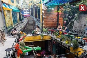 Hà Nội: Độc đáo quán cà phê được thiết kế bằng phế liệu