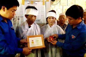 Thừa Thiên Huế: Truy tặng huy hiệu 'Tuổi trẻ dũng cảm' tới thanh niên quên mình cứu hai nữ sinh đuối nước