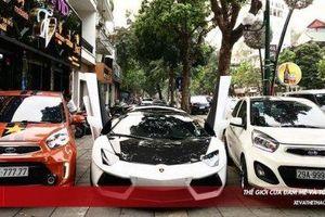 Bộ đôi Kia Morning biển 'ngũ quý' dường như lấn át 'hào quang' siêu xe Lamborghini Aventador