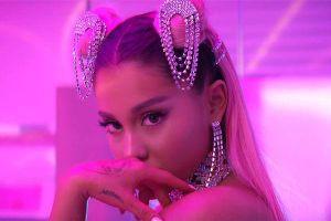 Ra đây mà xem: BTS vừa hát vừa nhảy cực nhắng nhít siêu hit 7 Rings của Ariana Grande