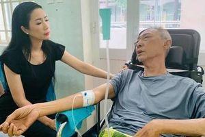 Mới nhất về sức khỏe nghệ sỹ Lê Bình: Chân bị hoại tử, thân dưới mất cảm giác