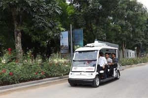 Xe điện tự lái của FPT lăn bánh tại Hà Nội