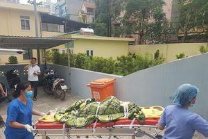 Đưa thi thể các nạn nhân vụ cháy ở Trung Văn về Bệnh viện 198