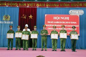 Khen thưởng 65 tập thể, cá nhân Công an tỉnh Quảng Ngãi