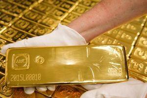 Giá vàng trong nước đột ngột giảm sâu theo thế giới