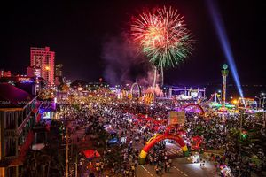 80 giàn pháo hoa thắp sáng đêm khai mạc Lễ hội Du lịch Cửa Lò