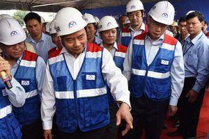 Thủ tướng Nguyễn Xuân Phúc thị sát tuyến đường sắt đô thị Bến Thành - Suối Tiên