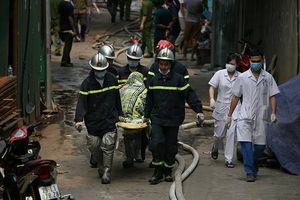 Cháy nhà xưởng tại Nam Từ Liêm: Người lái xe kể giây phút tìm thấy ba mẹ con nạn nhân