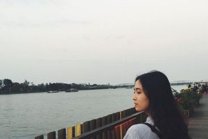 Lý lịch khủng của nữ sinh Nông Lâm bất ngờ nổi tiếng vì quá xinh
