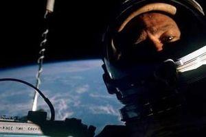 Những bức ảnh Selfie trong không gian của các nhà du hành vũ trụ