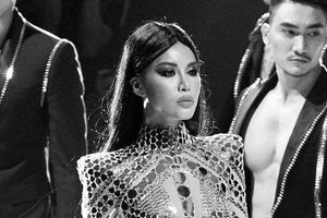 Minh Tú đầy thần thải, khoe vóc dáng quyến rũ khi diễn mở màn cho show Chung Thanh Phong