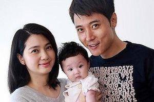 Vợ Trương Đan Phong tiều tụy khi bị 'bủa vây' bởi tin đồn chồng ngoại tình
