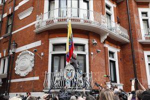 Vụ bắt nhà sáng lập WikiLeaks: Cha của ông Assange kêu gọi Thủ tướng Australia can thiệp