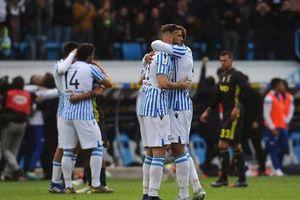Thua sốc, Juventus lỡ cơ hội vô địch sớm