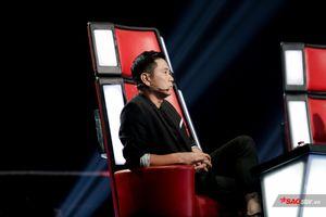 HLV Hồ Hoài Anh 'thẫn thờ' trước màn thị phạm 'Sợ yêu' của HLV Thanh Hà dành cho thí sinh The Voice 2019