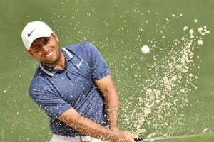 Francesco Molinari chiếm đỉnh bảng, quyết đấu Tiger Woods giành Áo xanh