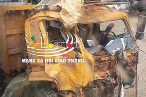 Xe khách đối đầu xe tải, hiện trường vụ tai nạn khiến dân mạng ám ảnh