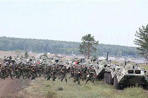 Đội quân đóng quân ở Ural và Siberia giữ nửa nước Nga