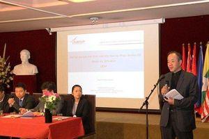 Sinh viên Việt Nam ở Pháp tăng cường hoạt động hướng về đất nước