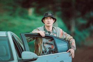 Huy Khánh phải đưa vợ con rời rạp trong buổi ra mắt phim