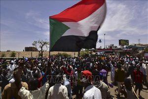 Lực lượng biểu tình tại Sudan yêu cầu TMC chuyển giao ngay quyền lực