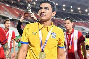Lý do Kiatisak không tái xuất giải cứu bóng đá Thái Lan