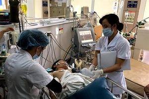 Nhậu với rượu pha lá ngón, 1 người chết, 7 người nguy kịch ở Hà Giang
