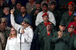 Quốc tế nổi bật: Venezuela huy động dân quân bảo vệ đất nước