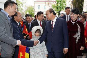Xem xét phổ biến cẩm nang cho người Việt mới sang Romania