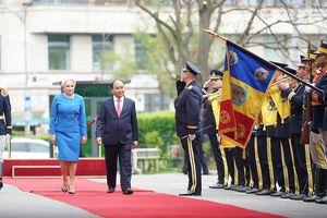 Thủ tướng Romania chủ trì lễ đón trọng thể Thủ tướng Nguyễn Xuân Phúc