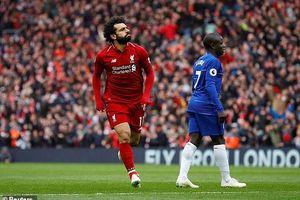 Salah ghi siêu phẩm hạ Chelsea, Liverpool quyết đua vô địch với Man City
