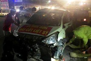 'Xe đưa đón hài cốt liệt sĩ' bị lật, 3 người bị thương