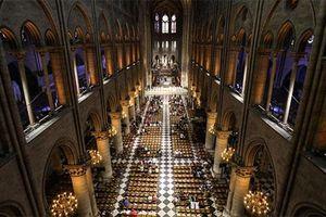 Những giá trị 'có một không hai' có thể cháy rụi trong Nhà thờ Đức Bà Paris